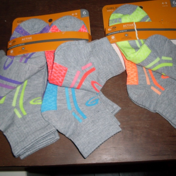 7ab7666c7f8c Girls Ankle Socks 6 Pk +2 Pair Champion Sz 4-9
